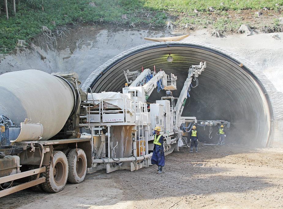 【グラビア】「二重峠トンネル」、掘削急ピッチ