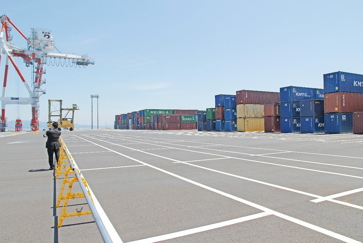 【グラビア】■八代港の新ターミナルが稼働・・・県と国土交通省