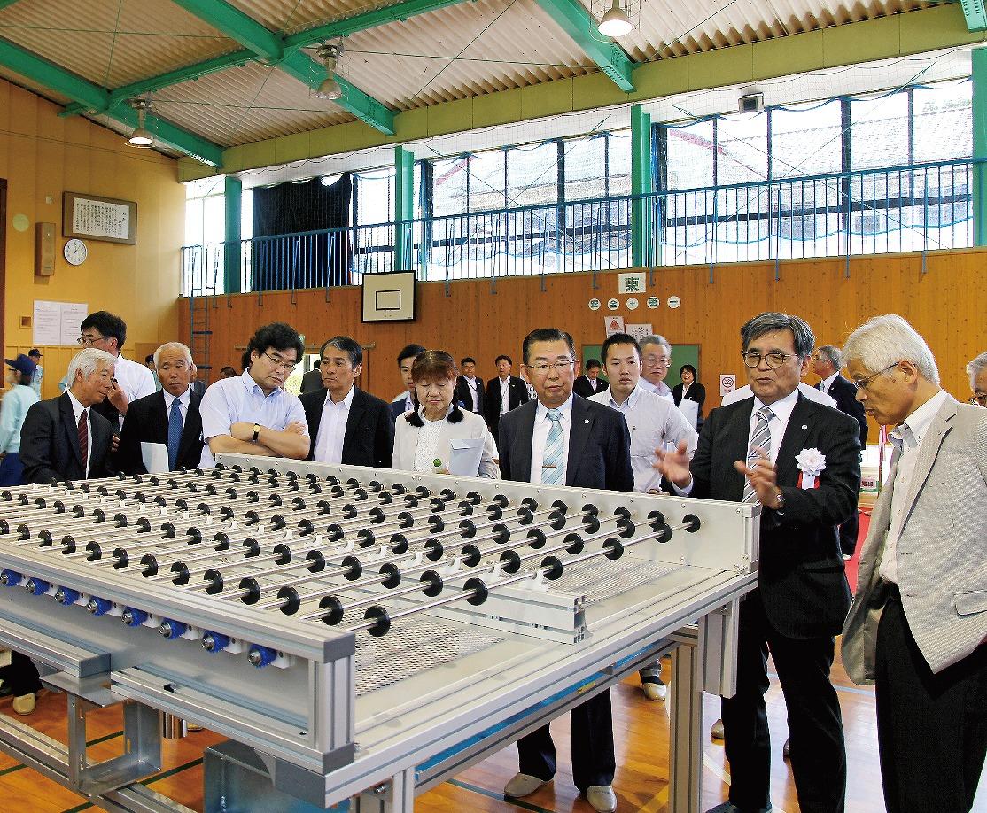 【グラビア】■天草・小学校跡に装置組立工場